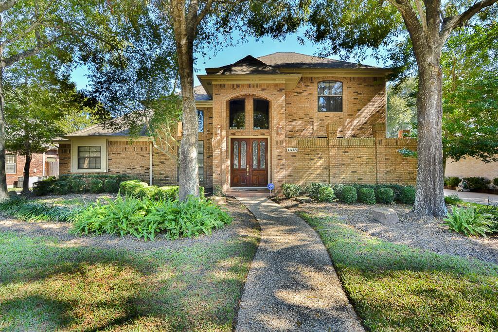1618 Fairoaks St, Seabrook, TX 77586