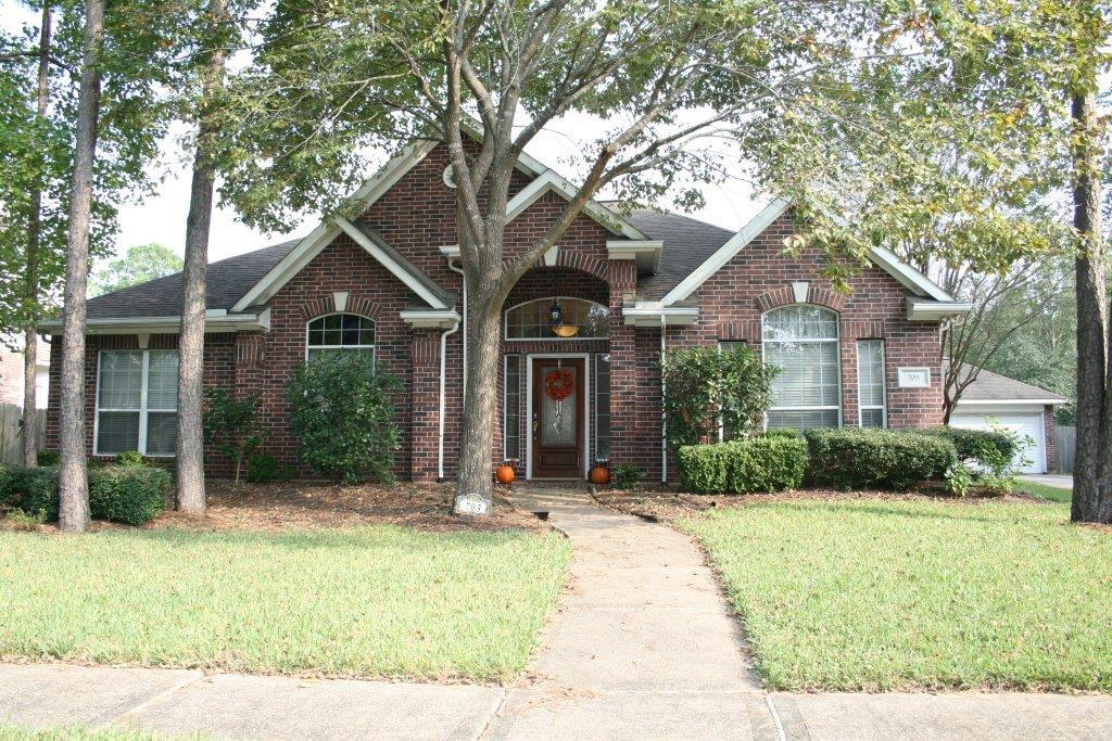 703 Hidden Creek Ln, Friendswood, TX 77546