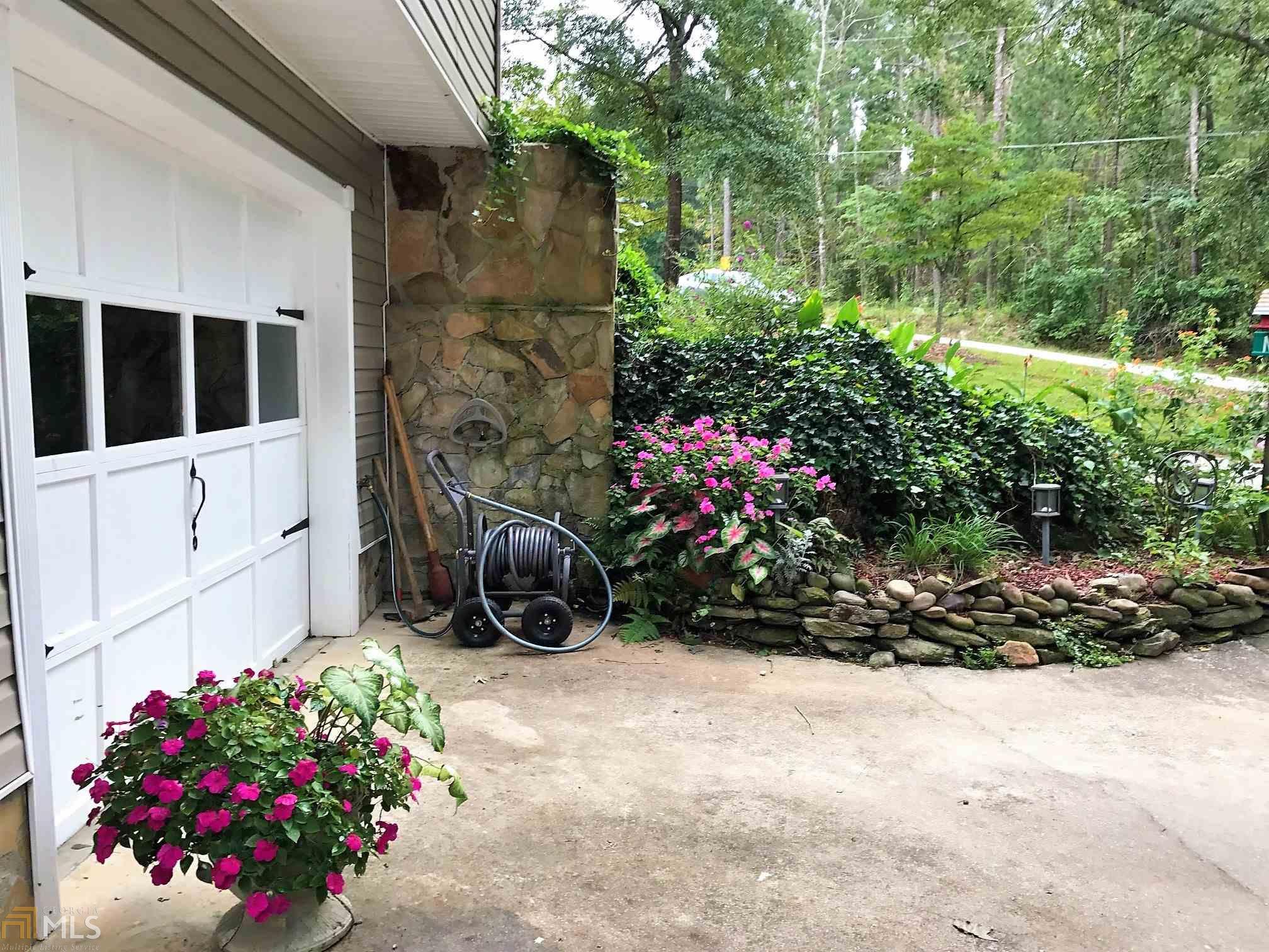 3152 Sweetbriar Dr Villa Rica, GA