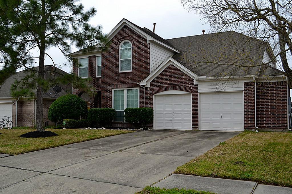 316 Blossomwood Dr, League City, TX 77573