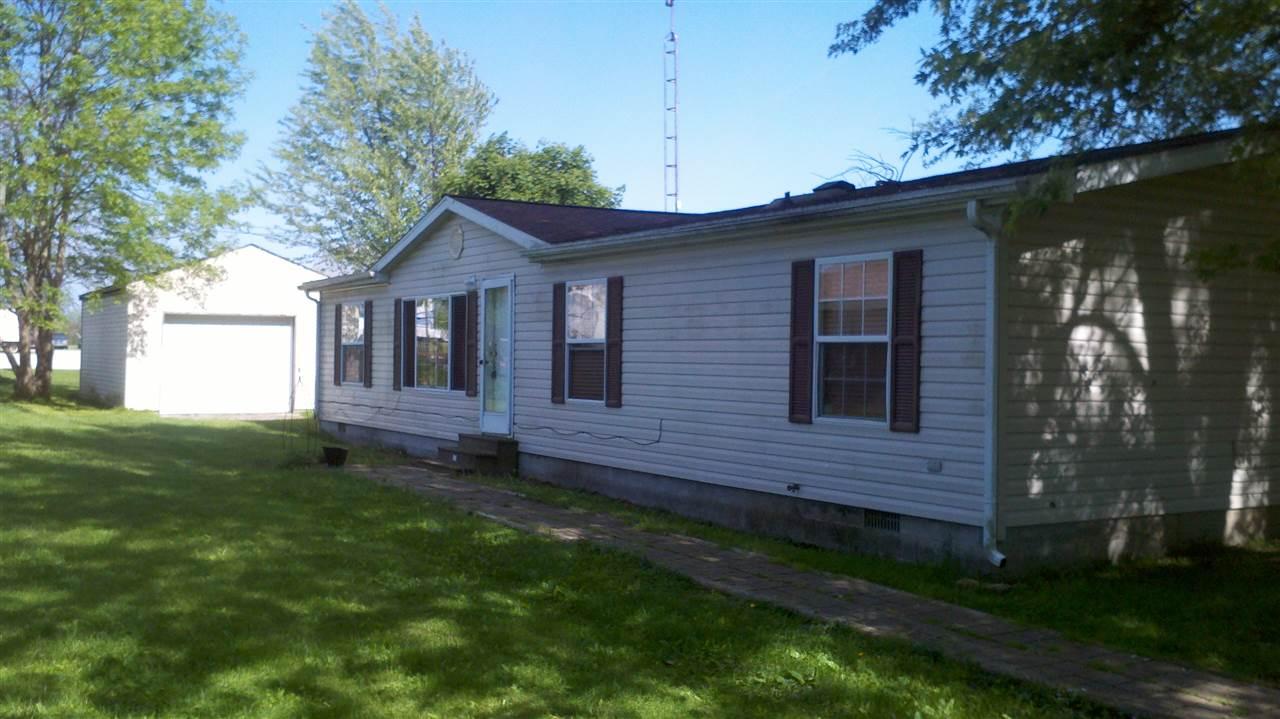 321 Pearl St, Lynn, IN 47355