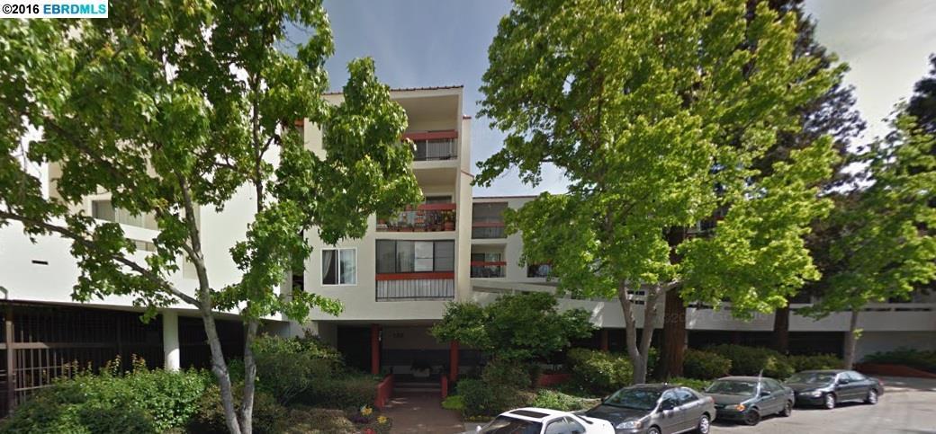 288 Whitmore St, Oakland, CA 94611