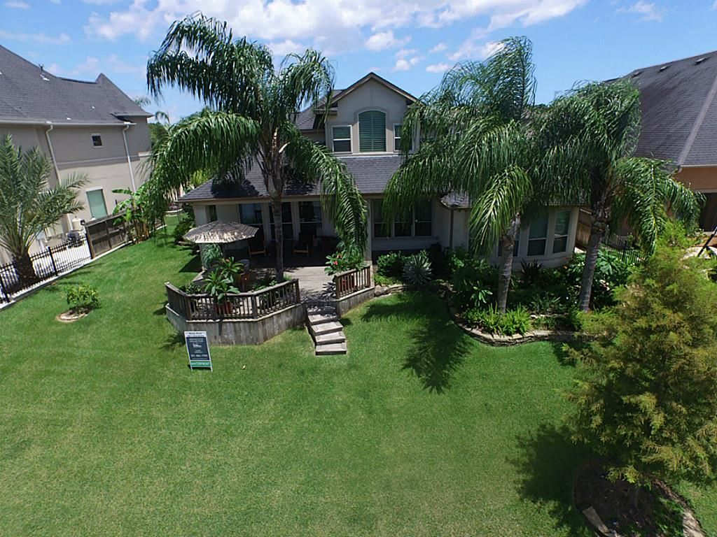 2260 Lake Cove Way, Seabrook, TX 77586