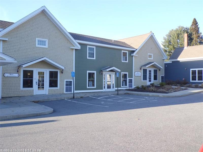 69 York St, Kennebunk, ME 04043
