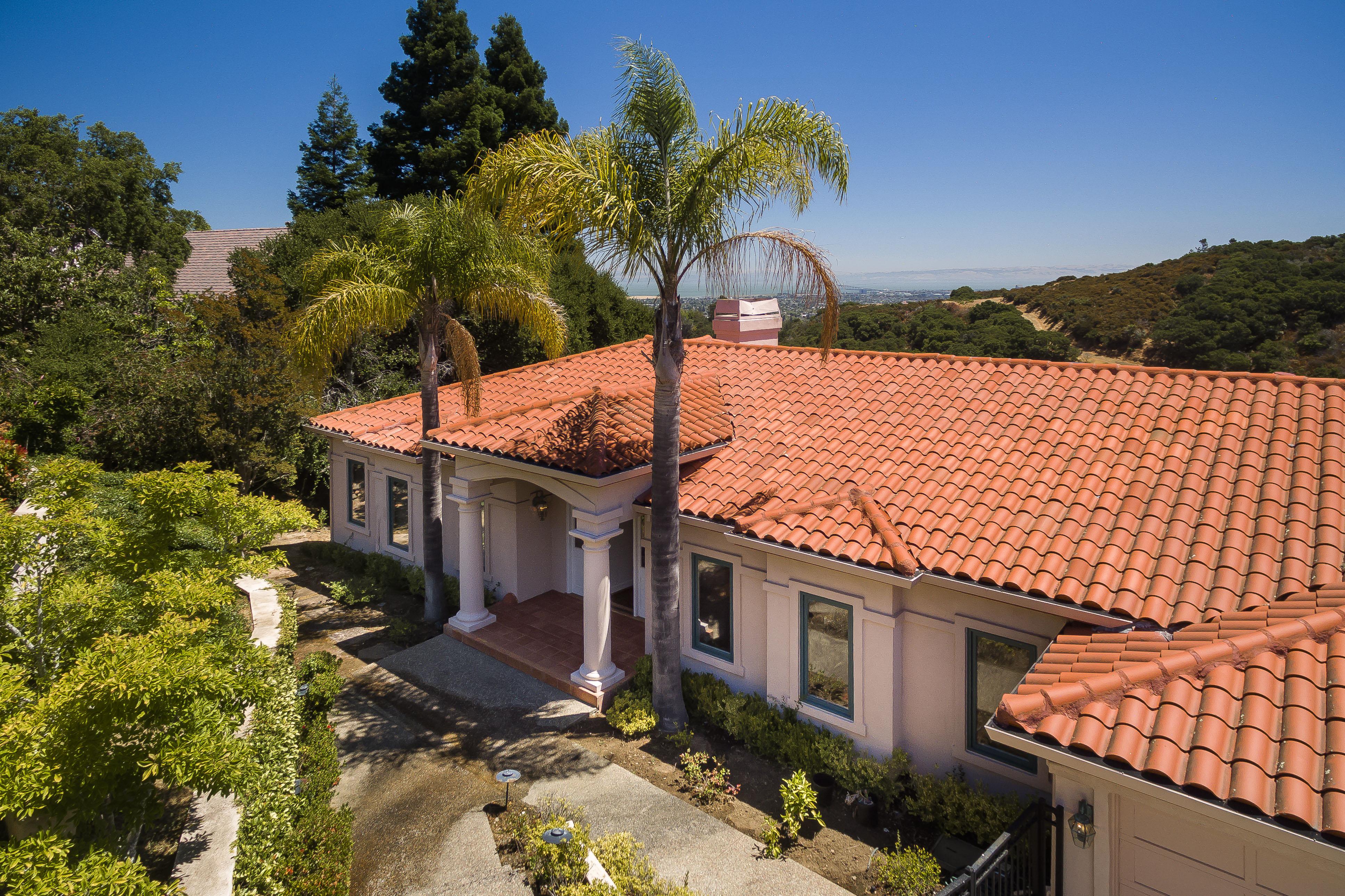 35 Sugar Hill Dr, Hillsborough, CA 94010