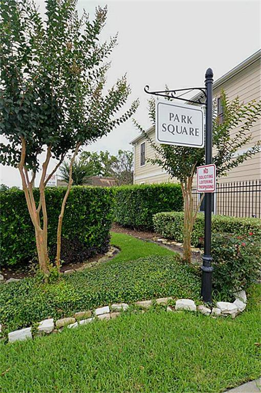 1711 Redwing Pines Dr, Houston, TX 77009