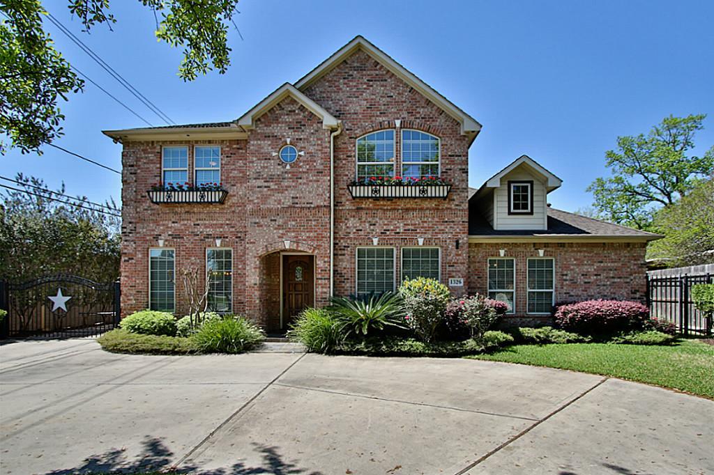 1326 W 31st St, Houston, TX 77018