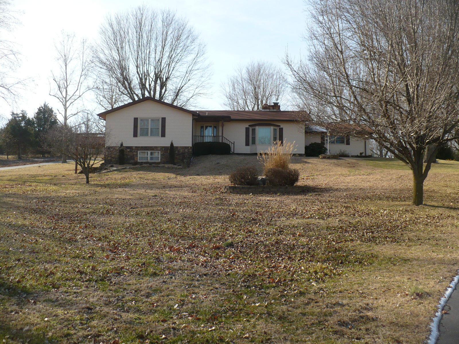6481 S Farm Road 101, Republic, MO 65738