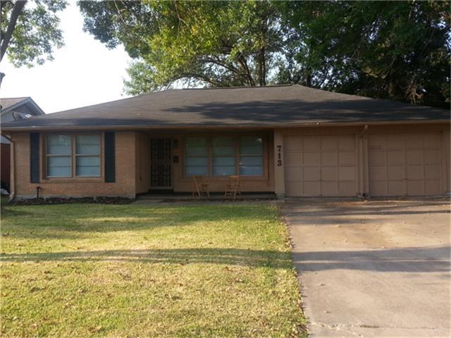 713 Harold Ln, Baytown, TX 77521