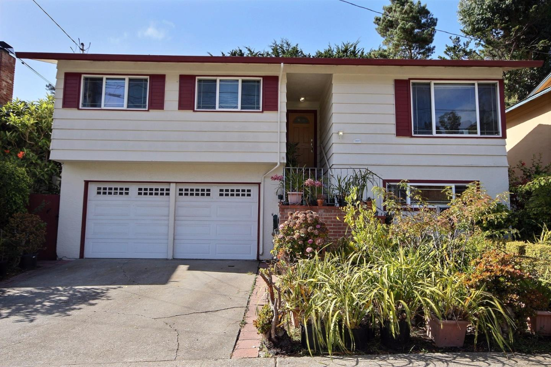 1311 Poplar Ave, Pacifica, CA 94044