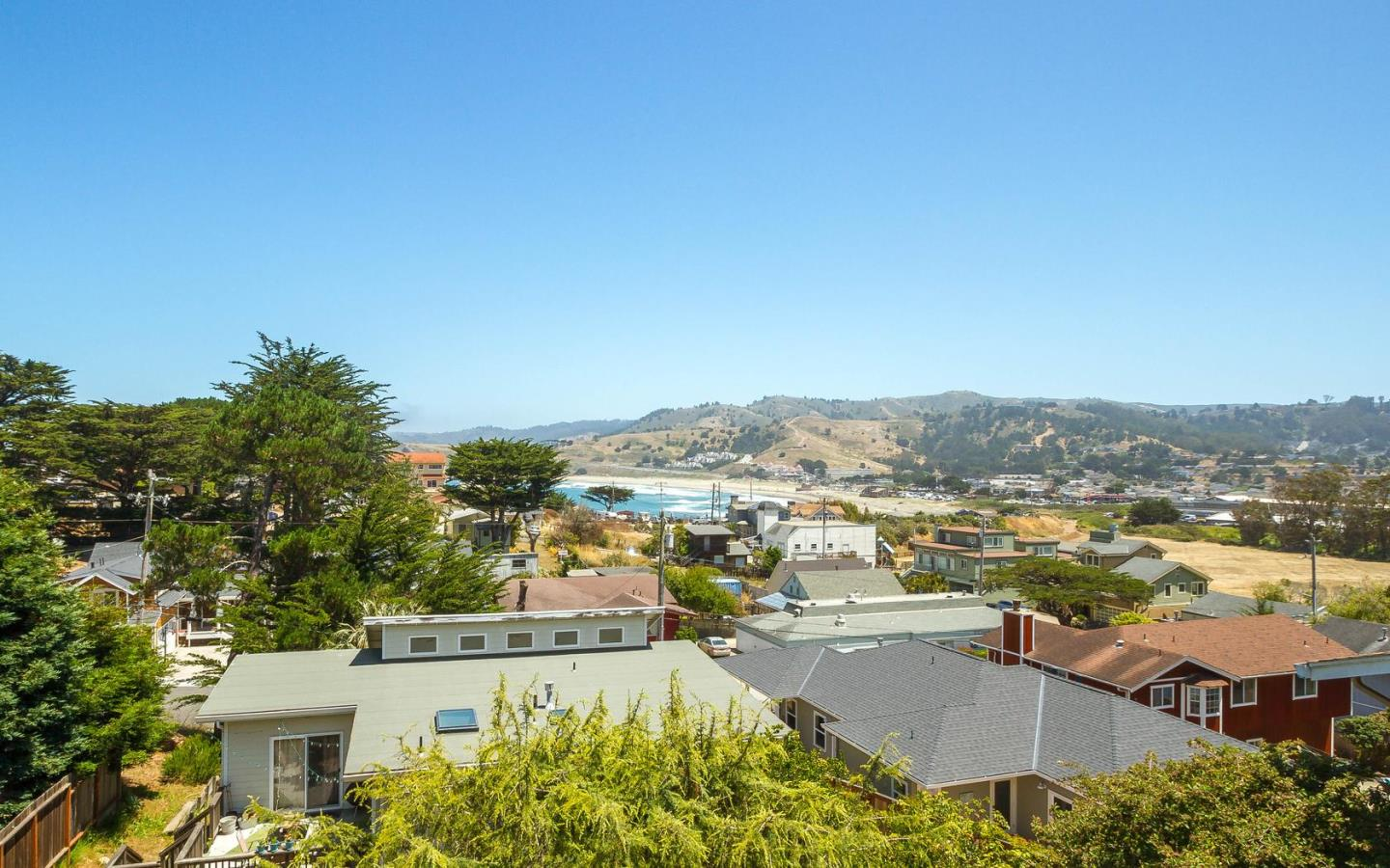 223 Stanley Ave, Pacifica, CA 94044