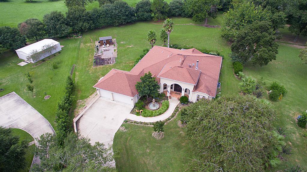 3124 Willow Oak Ln, Sealy, TX 77474