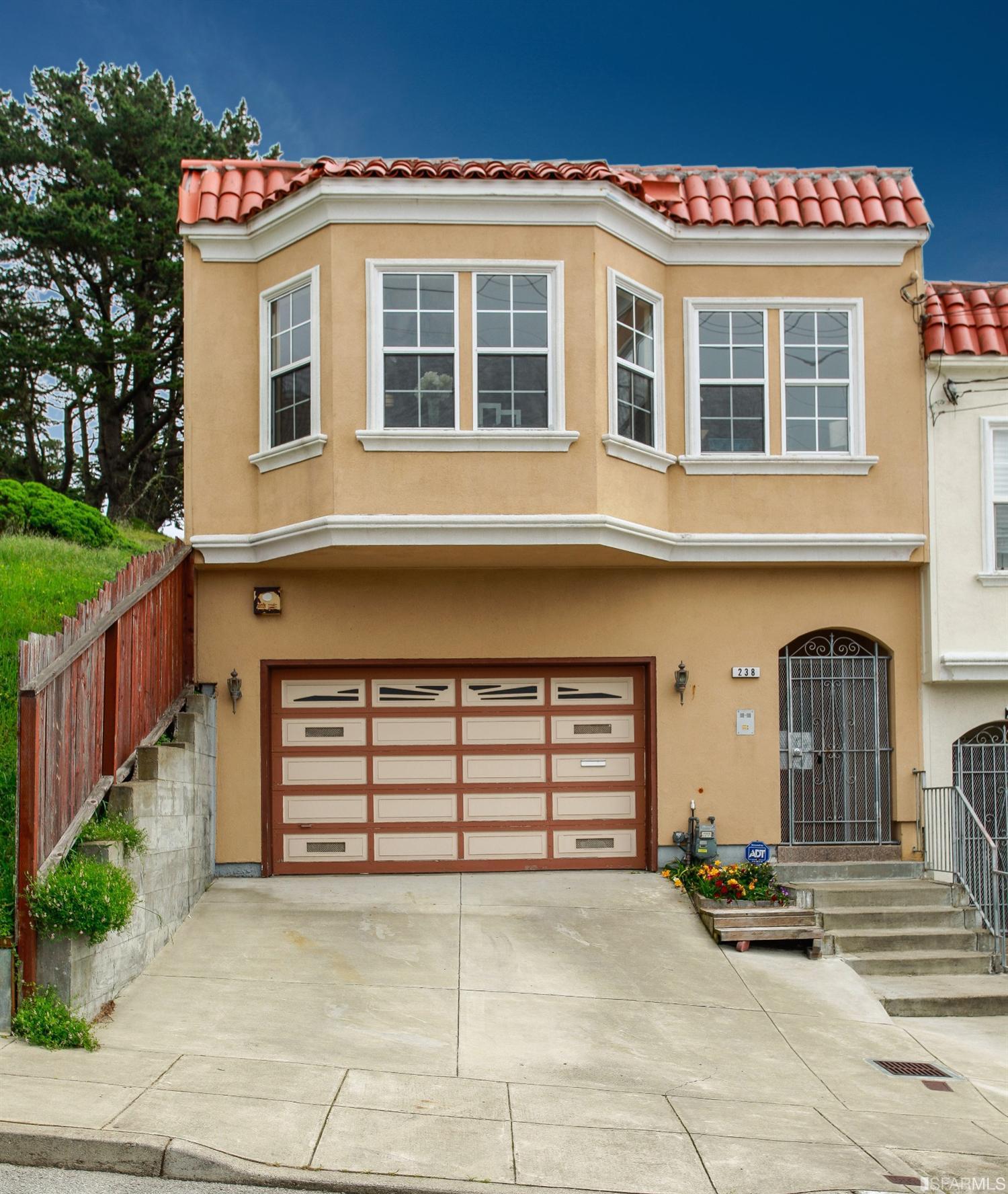 238 Vernon St, San Francisco, CA 94132