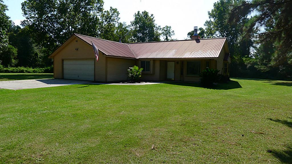 348 County Road 2277, Cleveland, TX 77327
