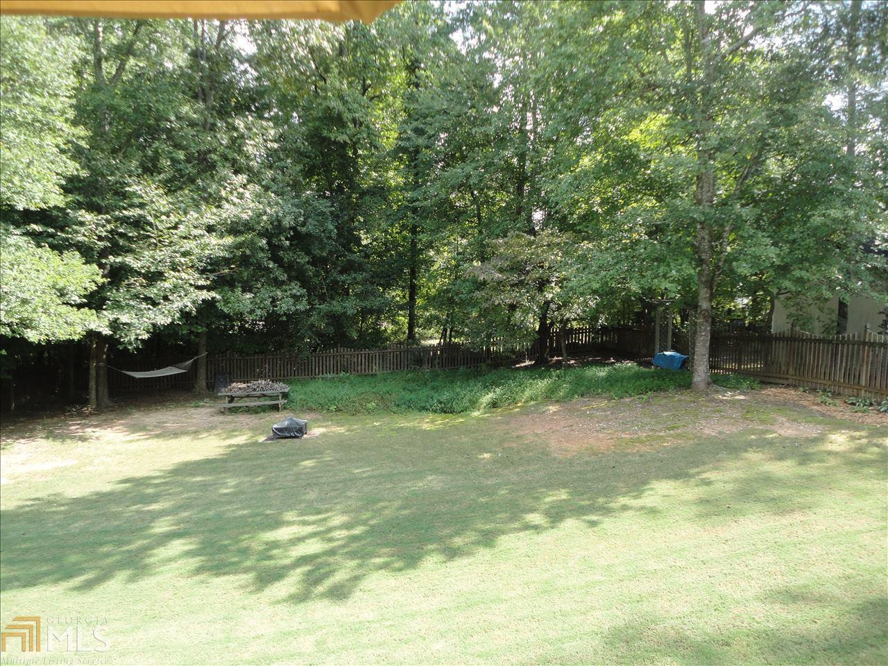 4063 Water Hole Ct Douglasville, GA