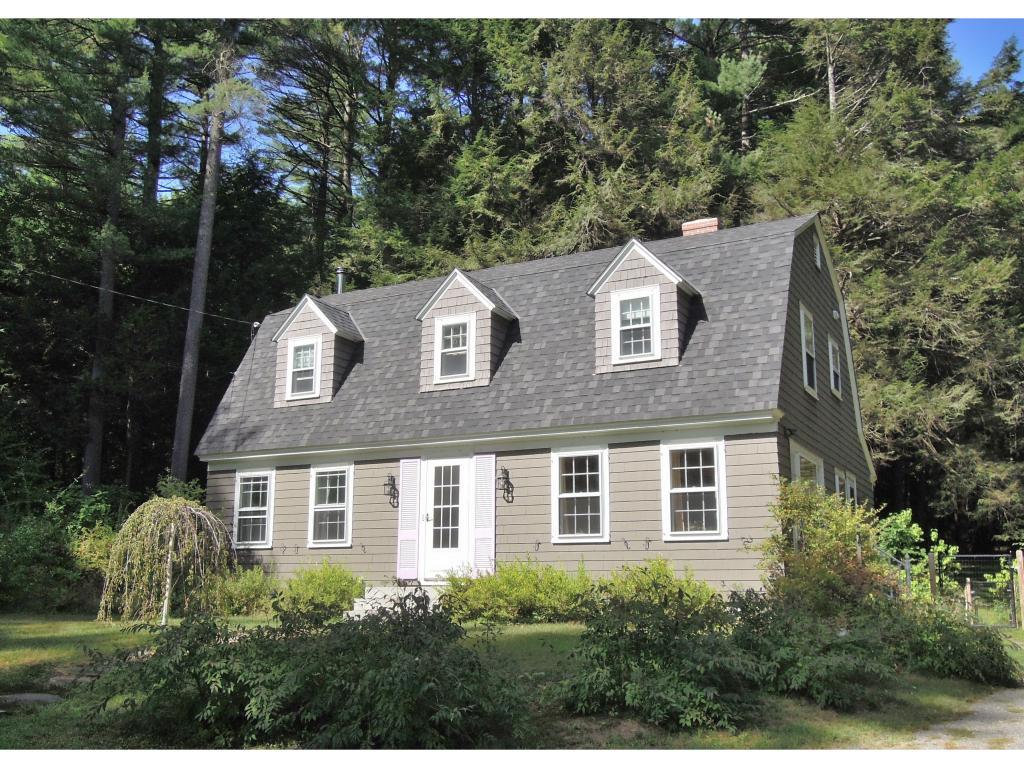 176 New England Dr, Brattleboro, VT 05301
