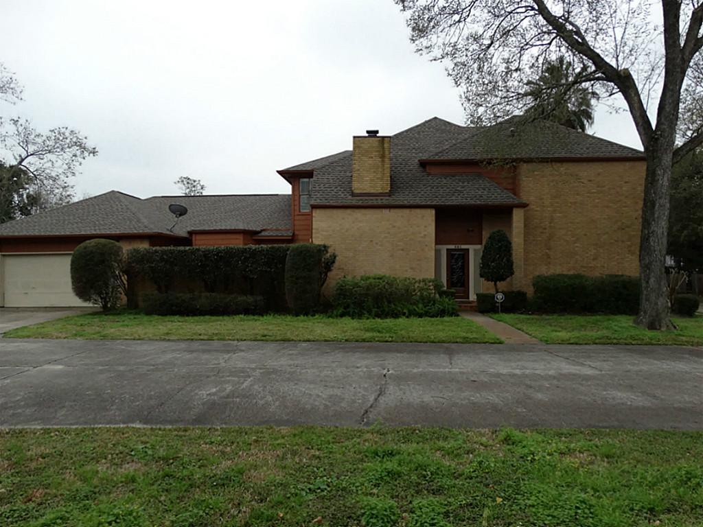 401 S Magnolia St, Alvin, TX 77511