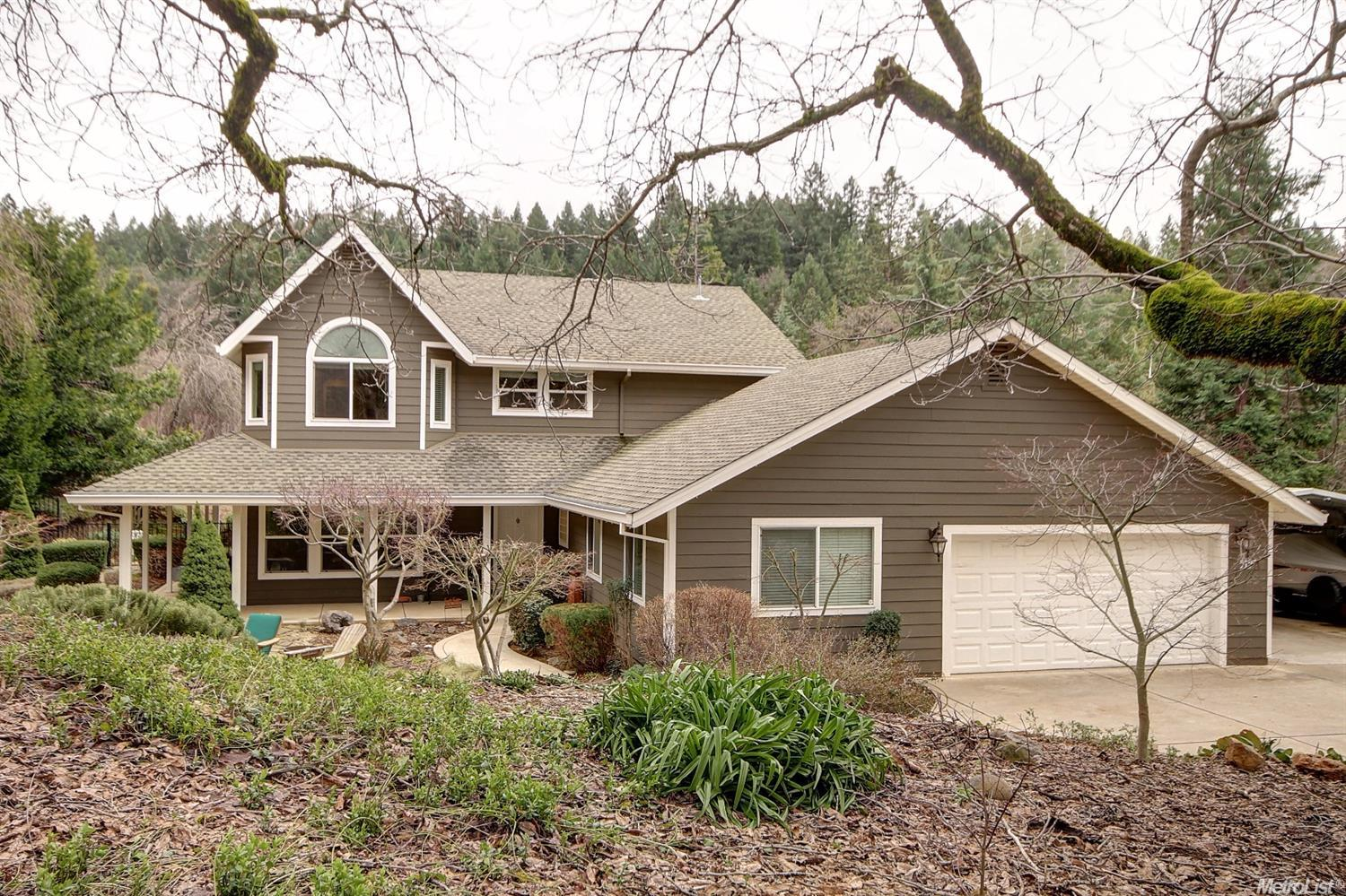 5197 Cold Springs Dr, Foresthill, CA 95631