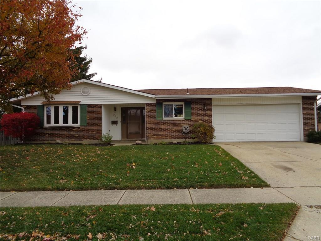 303 Edgebrook Ave, Brookville, OH 45309