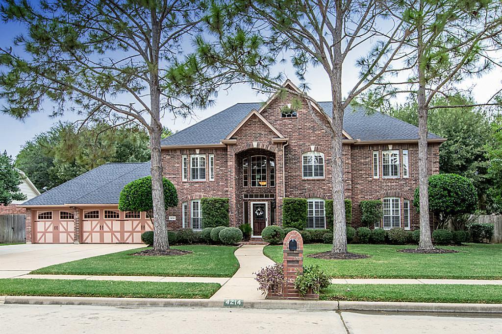 4214 Kirby Oaks Dr, Seabrook, TX 77586