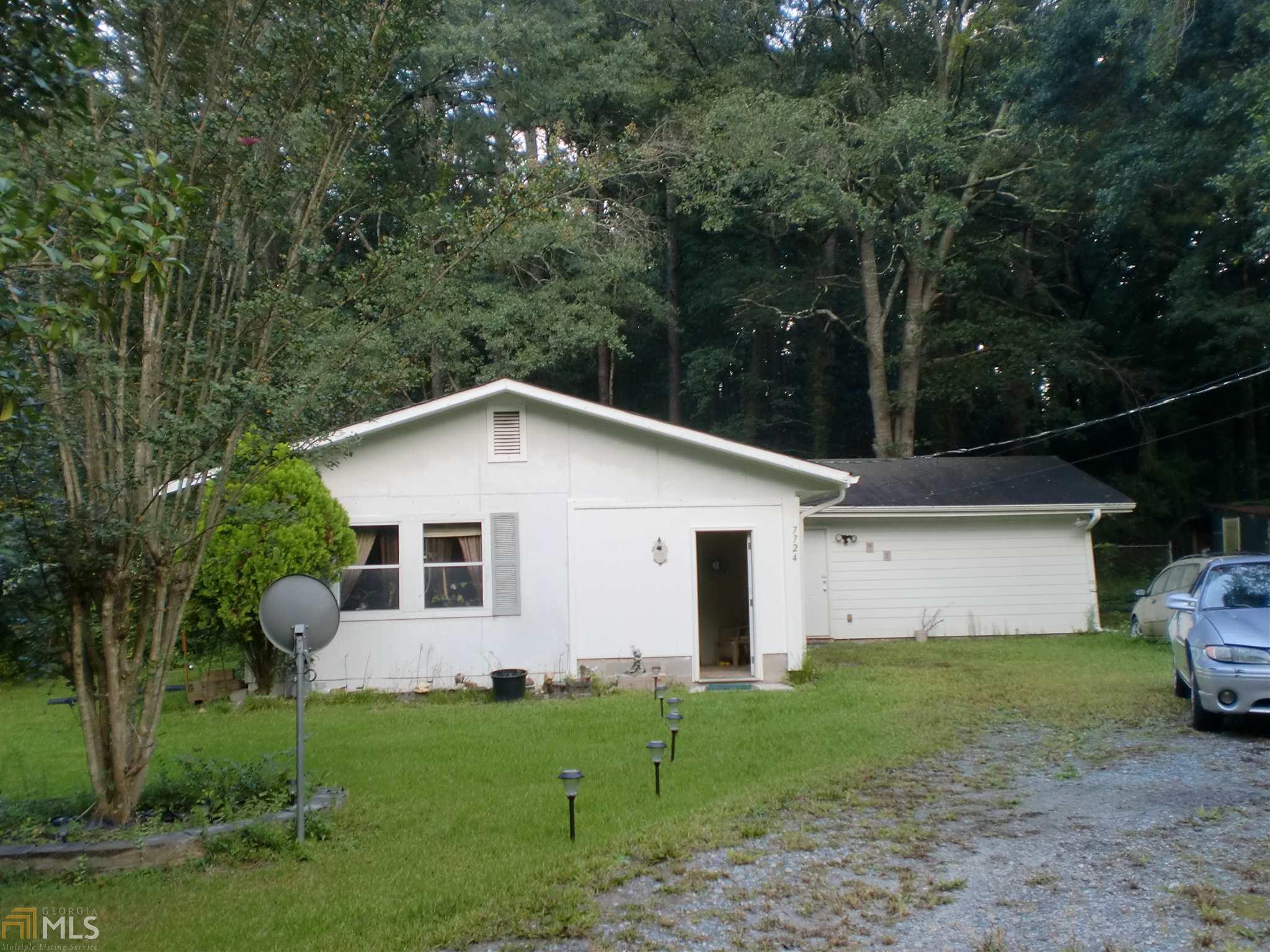 7724 Adamson Rd Jonesboro, GA