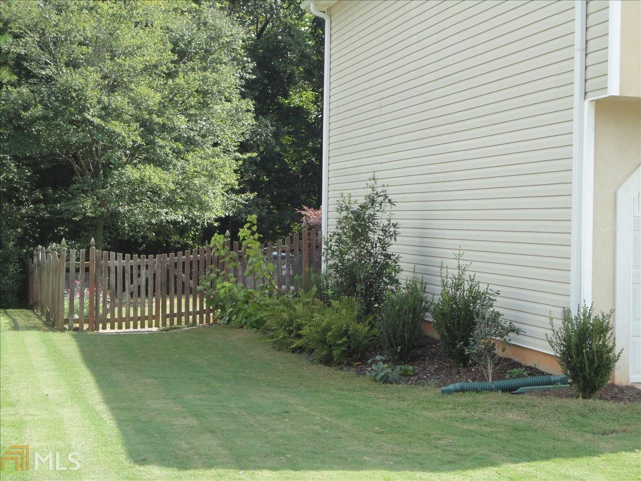 4063 Water Hole Ct Douglasville, GA