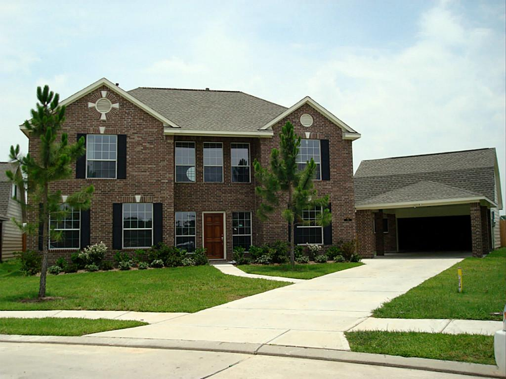 394 Hyland Ln, League City, TX 77573