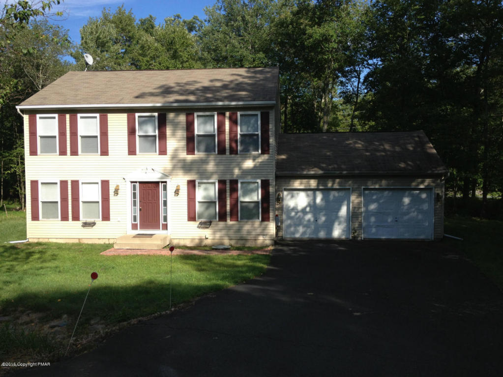 101 Bindale Rd, Tamiment, PA 18371
