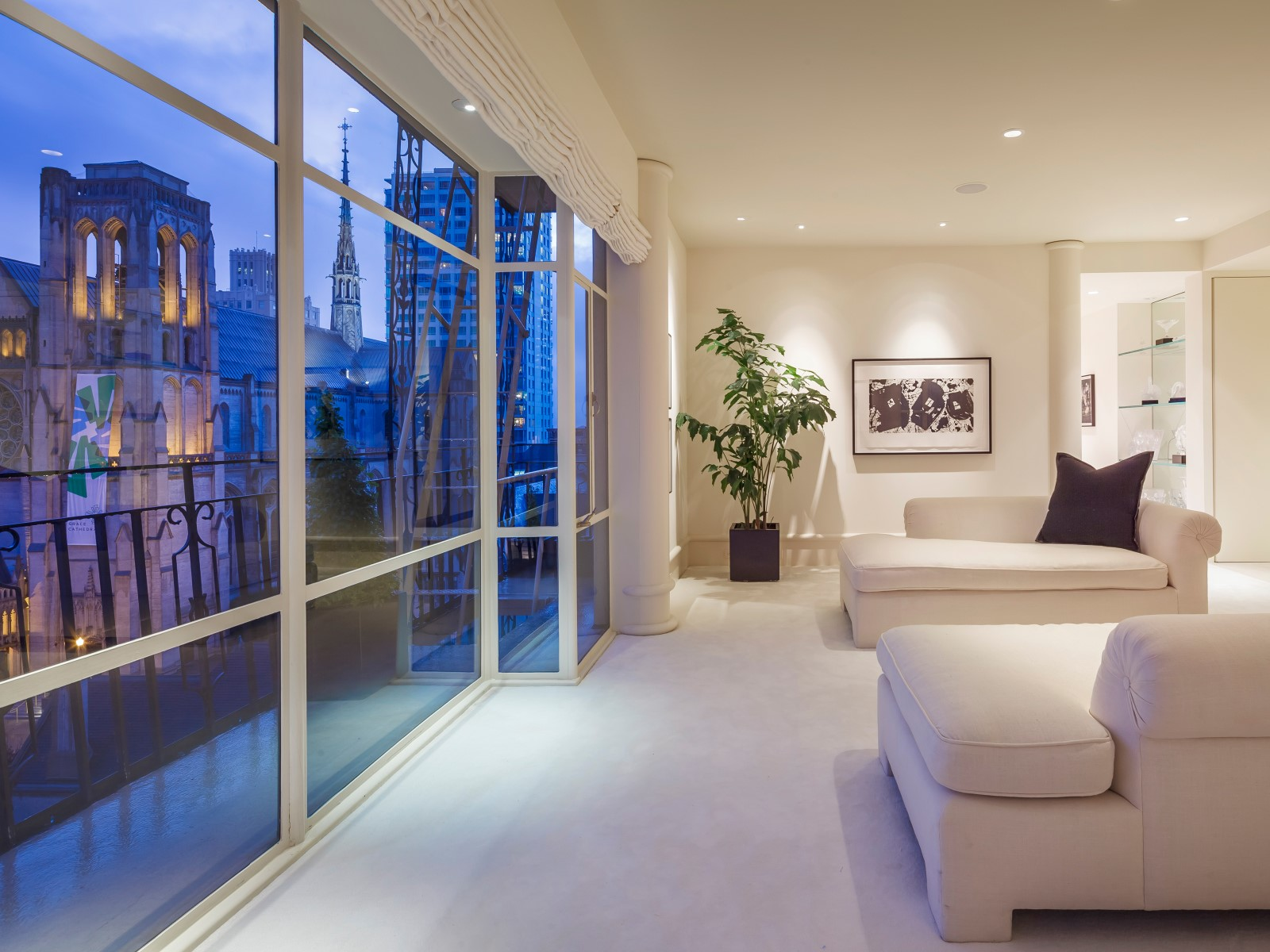 Sophisticated View Apartment on Nob Hill