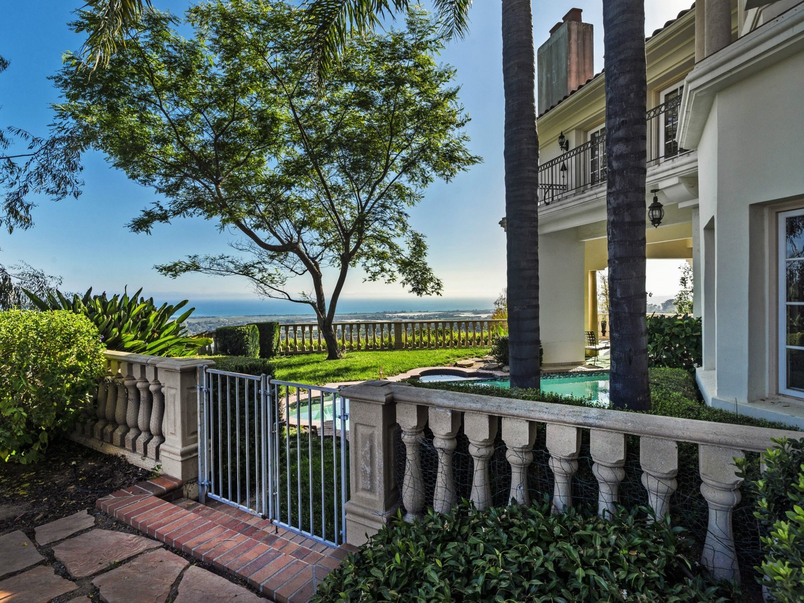 Ocean View Estate on Approx. 23 Acres