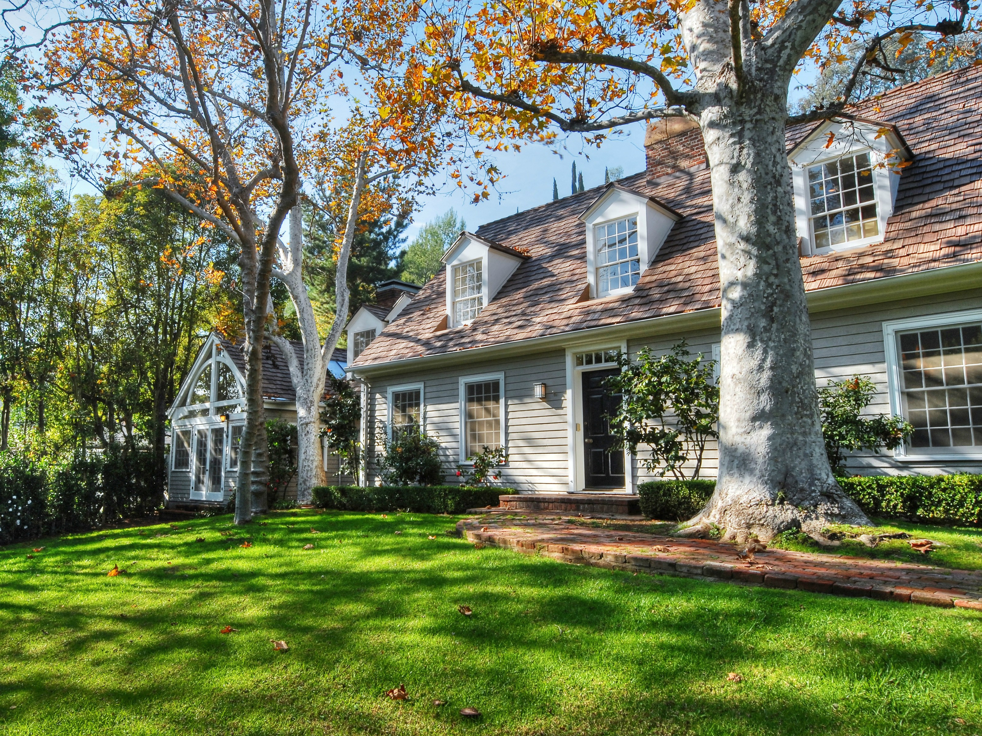 Hamptons Style in Bowmont Estates
