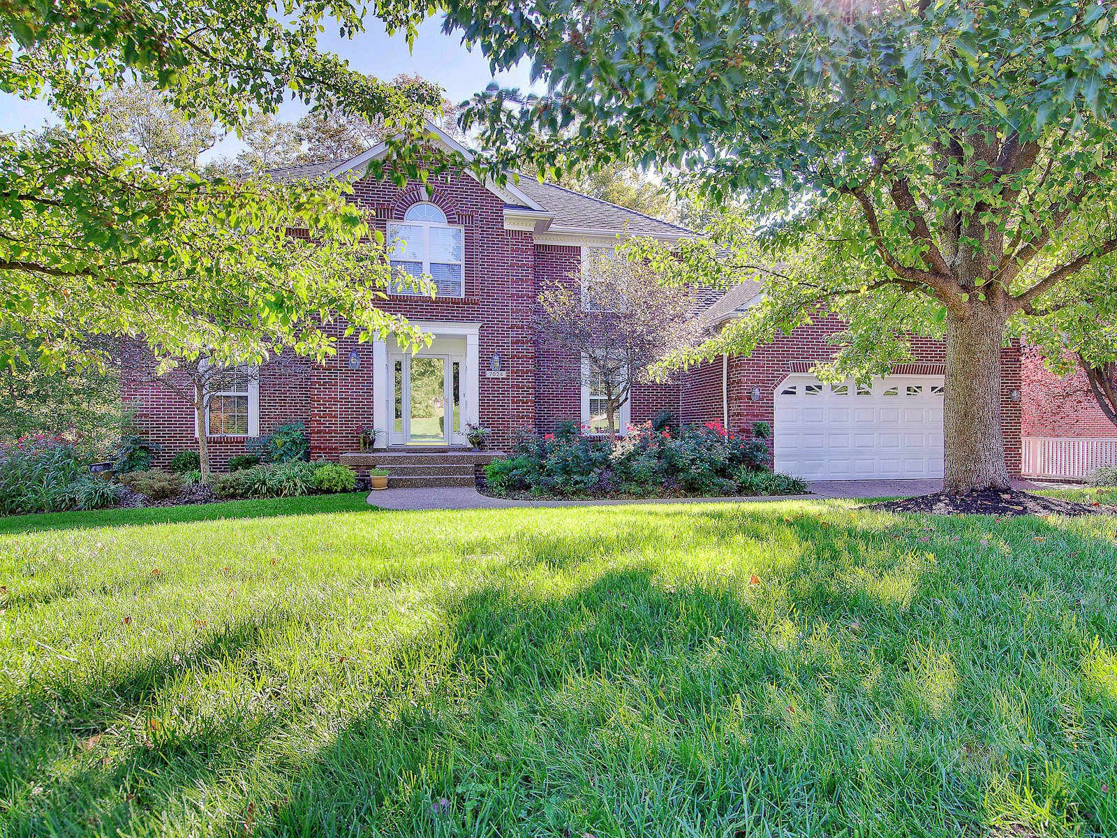 7024 Wooded Meadow Rd, Louisville, KY 40241