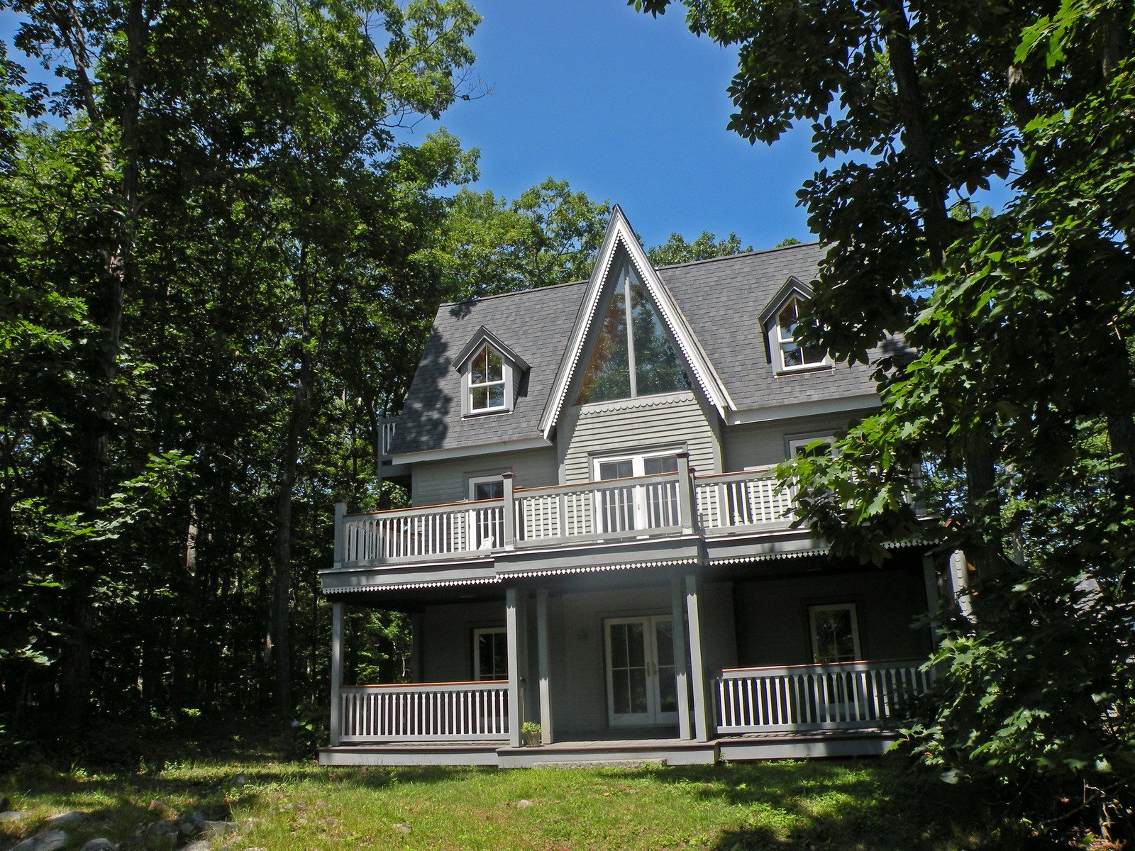 99 Goodwin Rd, Kittery Point, ME 03905