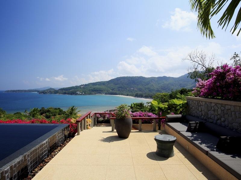 坐落在一个山坡平缓普吉岛的西海岸,俯瞰着质朴的安达