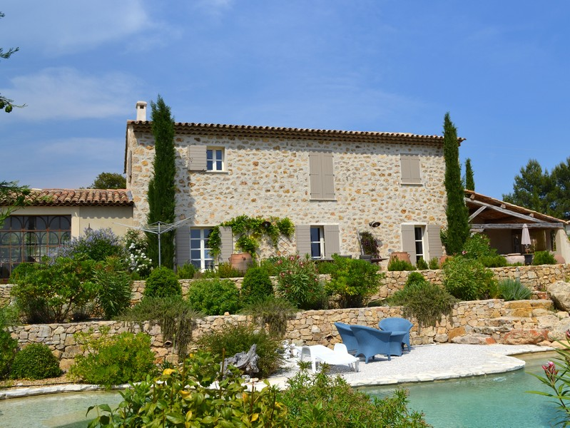 A 20th century house with beautiful Provencal details