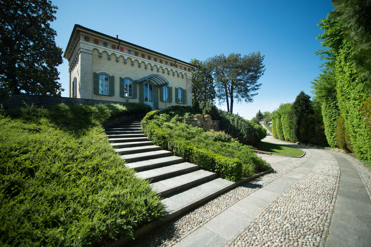 Historic villa overlooking the Lake of Pusiano