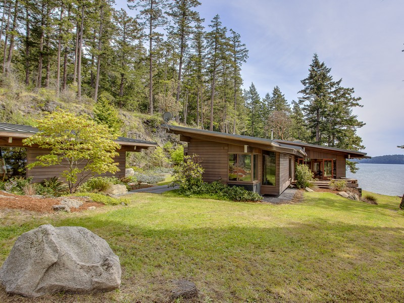 2027 Neck Point Rd, Shaw Island, WA 98286