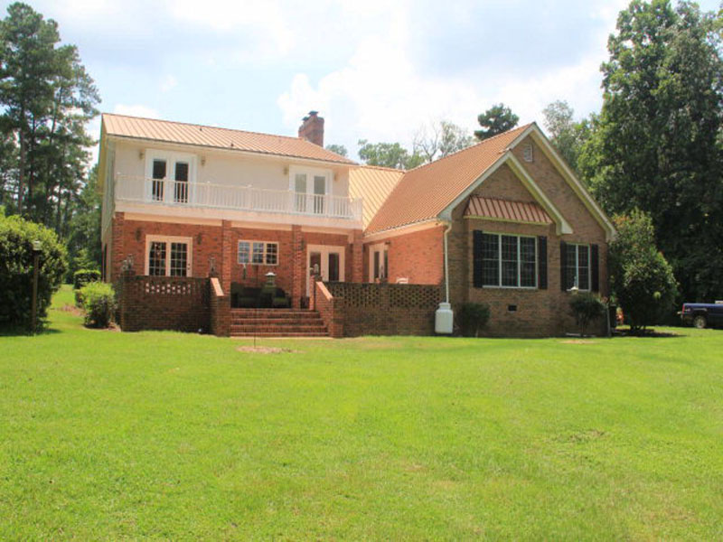 1031 Summerhill Rd, Thomasville, GA 31757