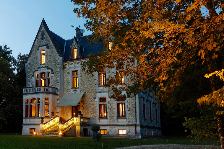 Prestigious Chateau - Luxury 9-rooms Hotel