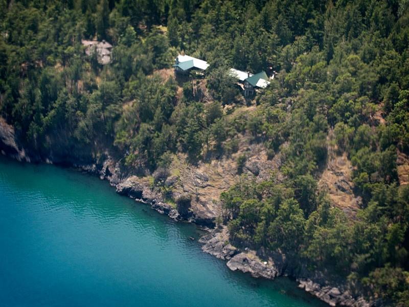724 Shoreland Dr, Lopez Island, WA 98261