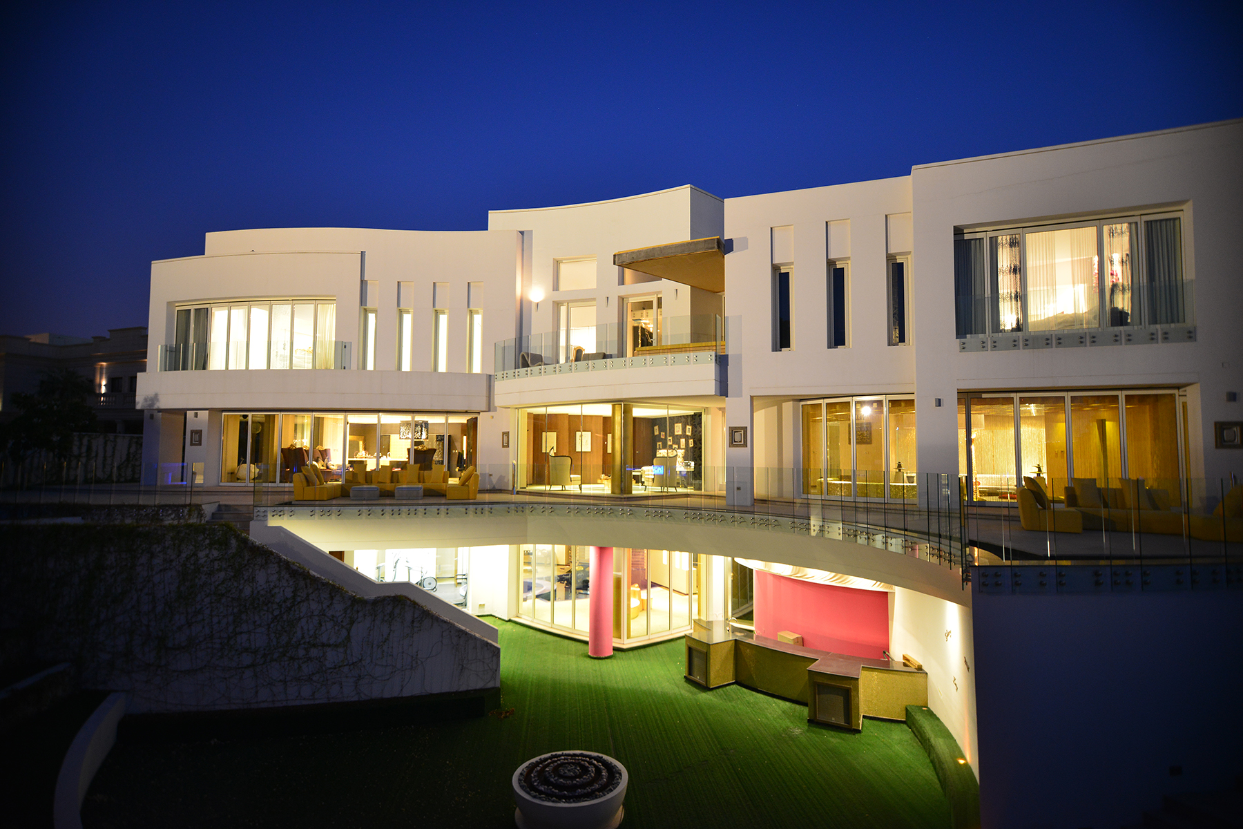 Modern Designed Golf Course Facing Villa