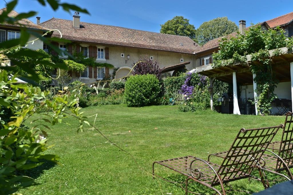 Charming house with La Maison du Moulin wine estate