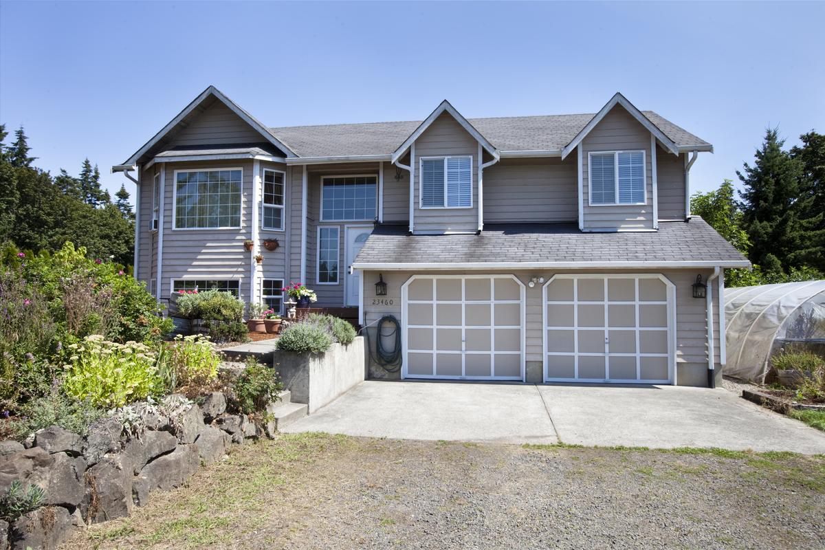 23460 Seatter Rd Ne, Kingston, WA 98346
