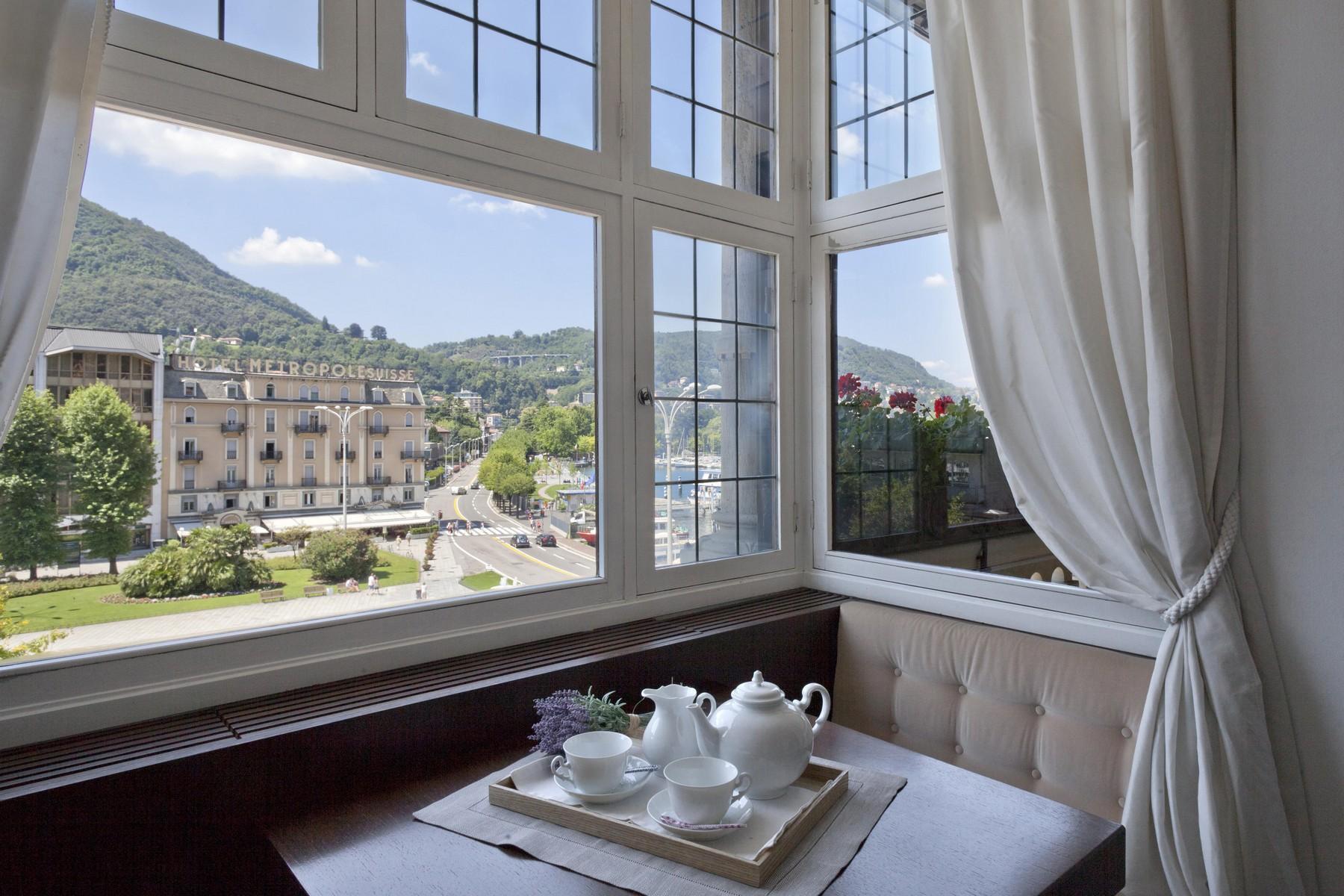 Prestigious apartment in historic building in Piazza Cavour