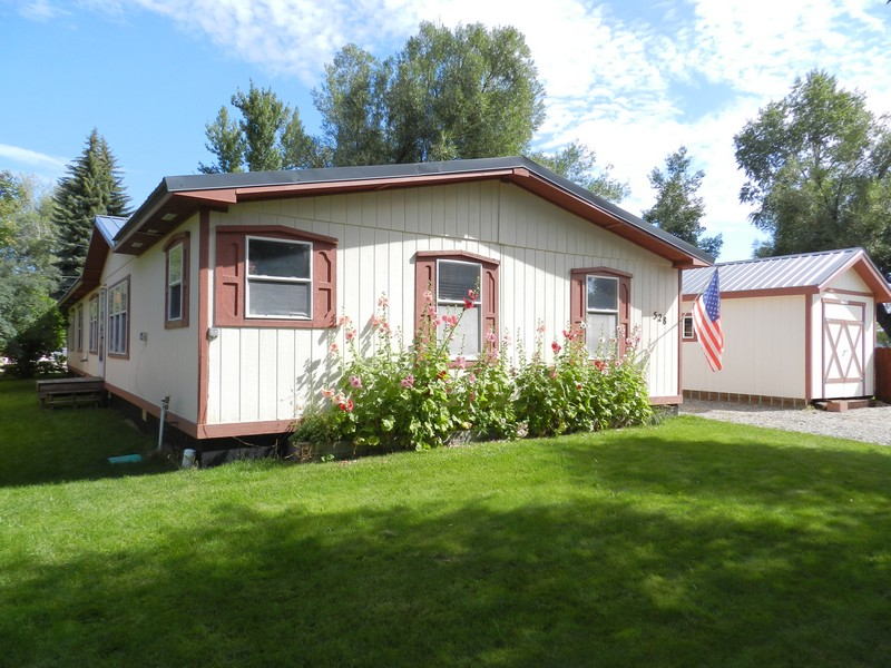 528 E Washington Ave, Hayden, CO 81639