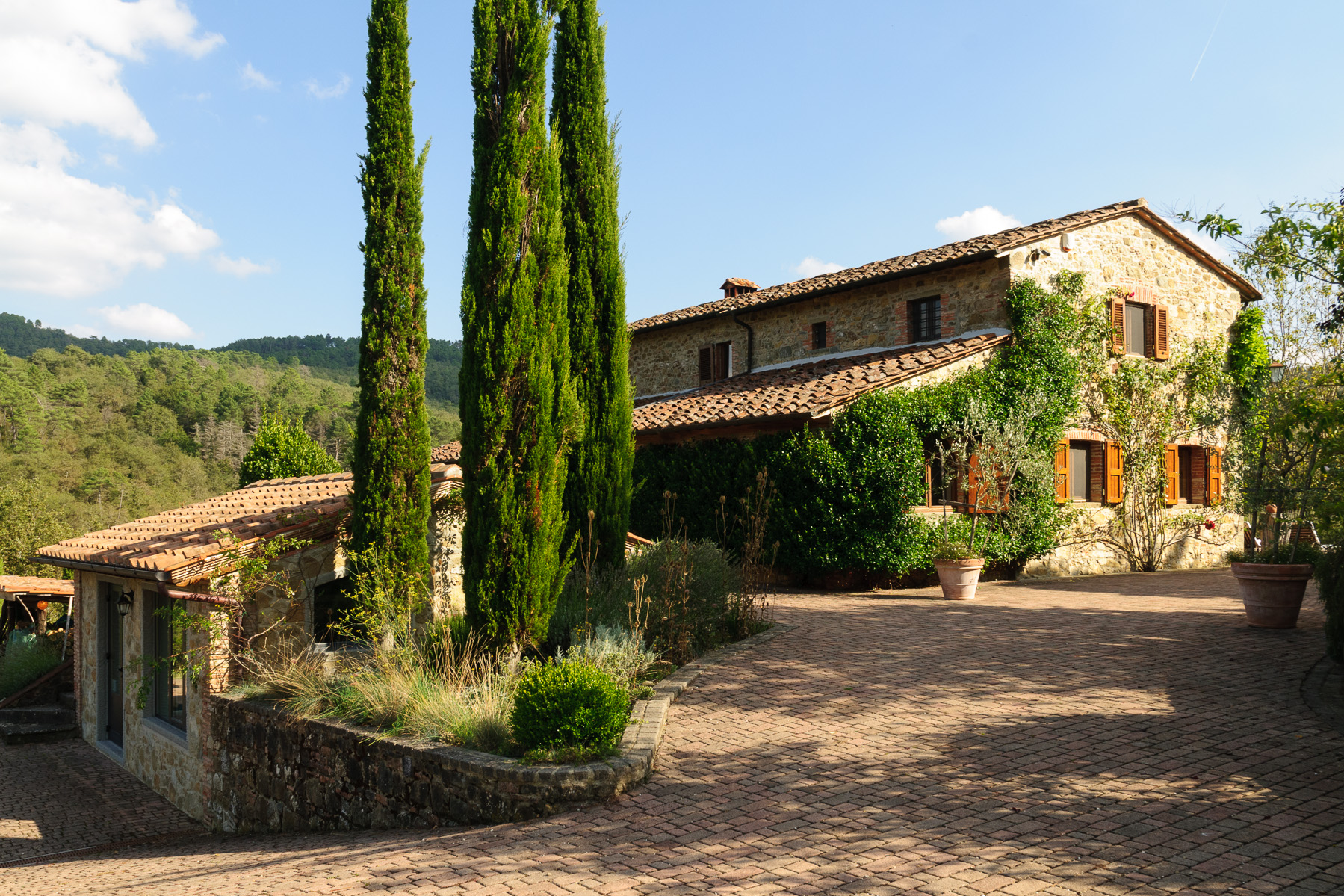 Farmhouse overlooking the Chianti Classico countryside