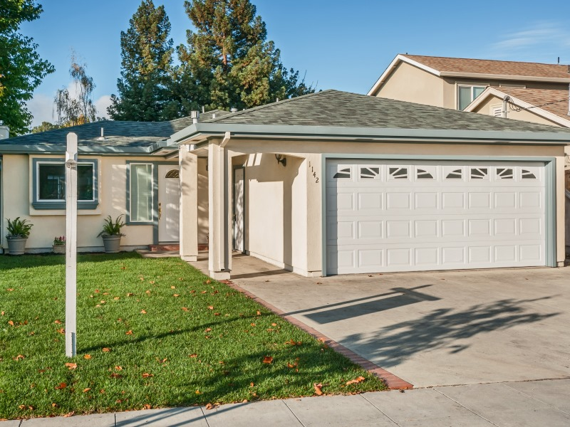 1142 Virginia Ave, Redwood City, CA 94061