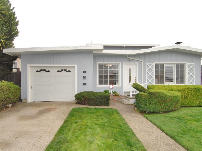 394 Gardenside Ave, South San Francisco, CA 94080