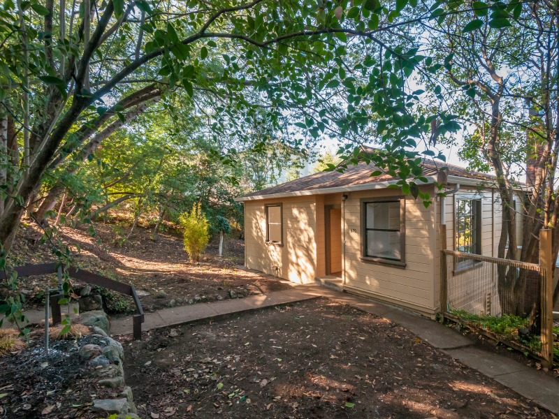 670 Oak Park Way, Redwood City, CA 94062