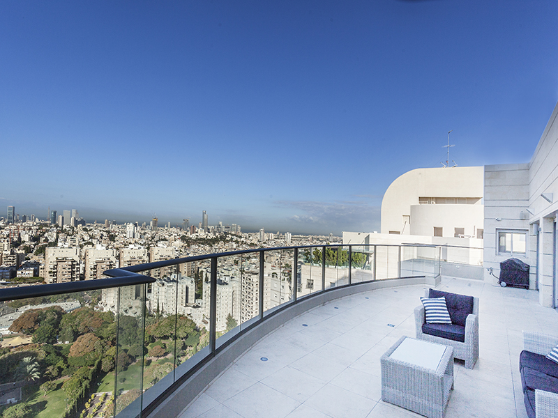 Spectacular penthouse at Marom Nave